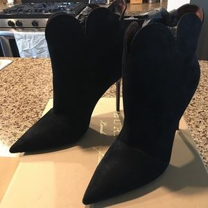 NWT Burberry Suede Booties